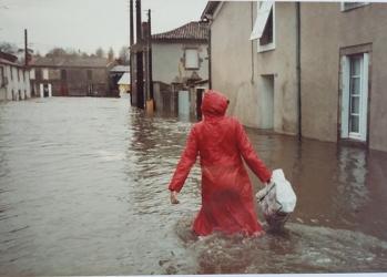 <p>Collecte d&#039;informations sur les inondations</p>