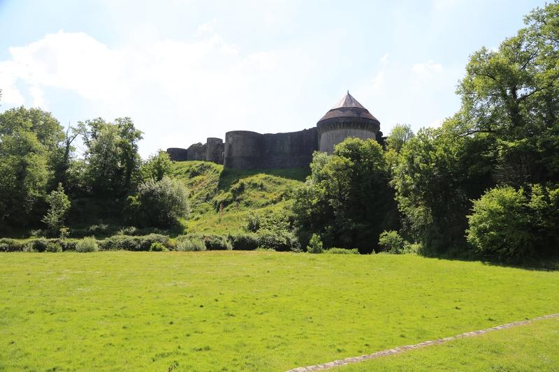 Le Château de Tiffauges  à Tiffauges