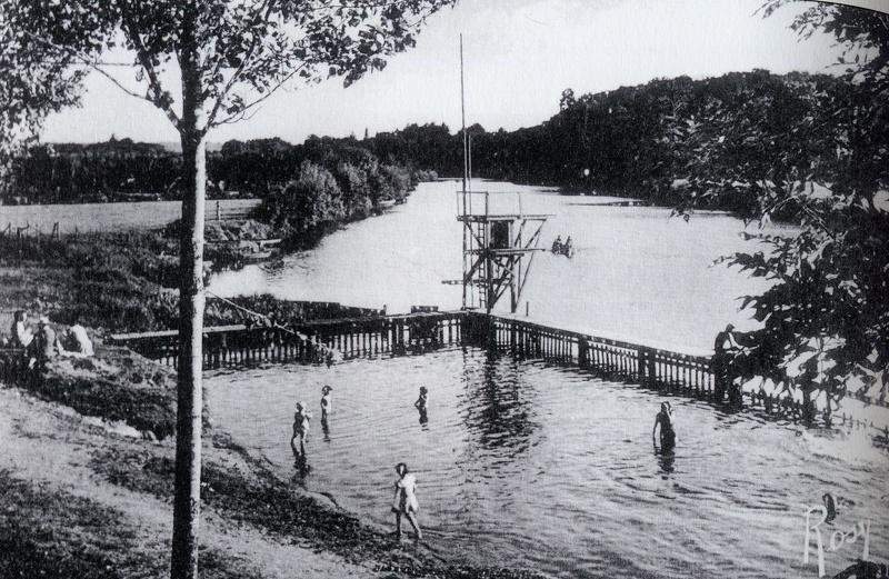 La piscine de la Pierre percée à Vertou